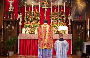 Reverência antes de subir ao Altar